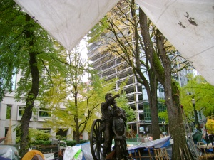 occupy pioneers statue