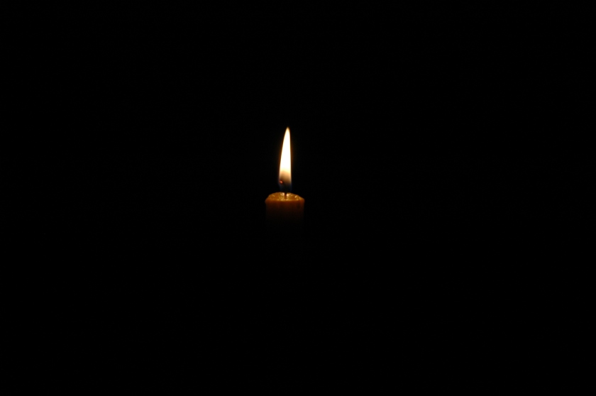 candle-in-the-darkness