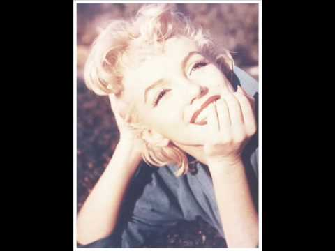 Marilyn Monroe's smile in public domain