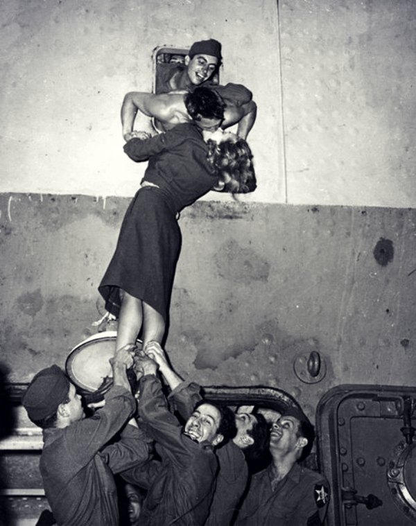 kissing the troops vintage
