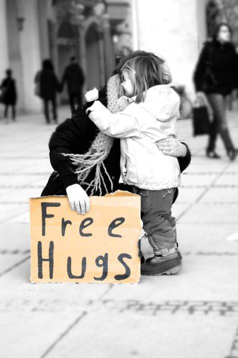 free_hugs_2_by_dastalisa-d3adynw