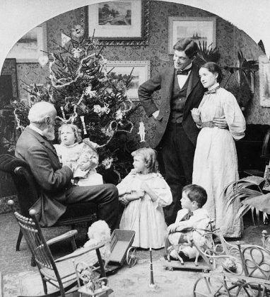 andy 546px-Grandpas_visit_Christmas_morning