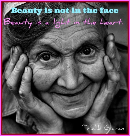 quote beauty old-smiling-woman