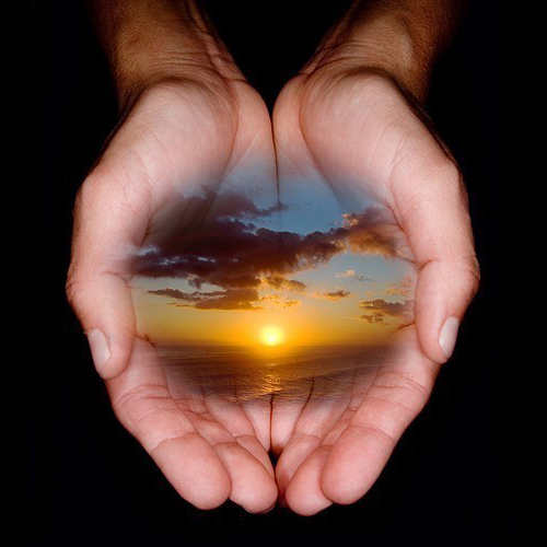 gratitude-zen-life-coaching hands magic