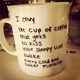 coffe cup kiss