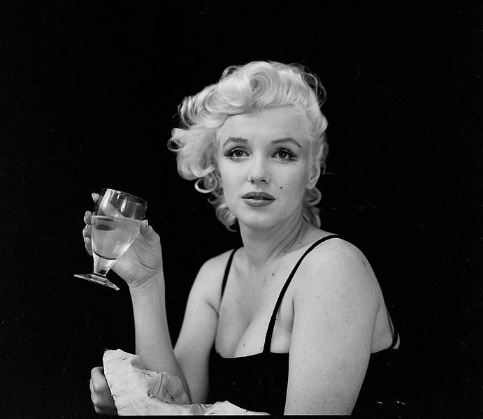 Rare-photos-of-Marilyn- marilyn monroe sad