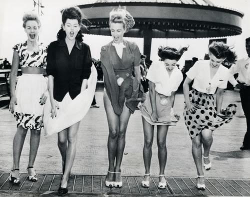 vintage women fun laugh