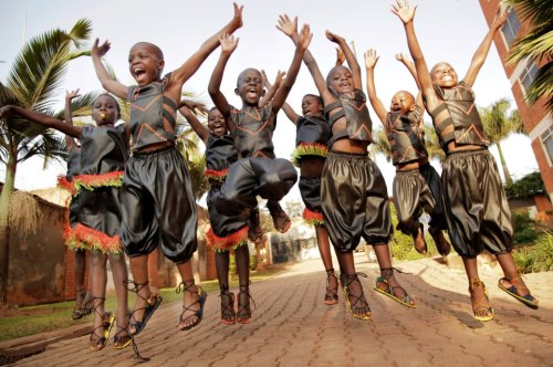 African Children's Choir spreads peace.